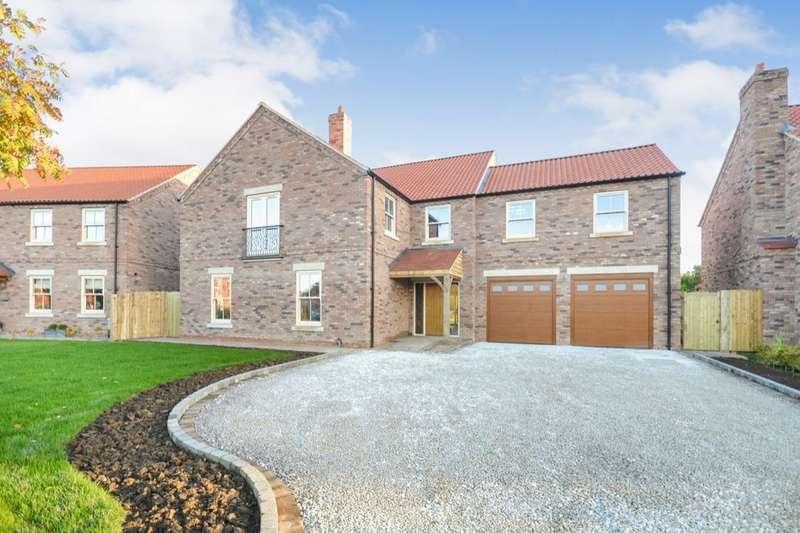 4 Bedrooms Detached House for sale in Biggin, Leeds, LS25
