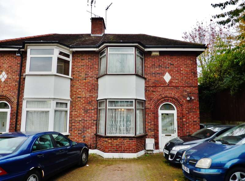 3 Bedrooms Semi Detached House for sale in Shornells Way, Abbey Wood, London, SE2 0LA