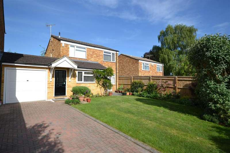 3 Bedrooms Link Detached House for sale in Highbridge Close, Caversham, Reading