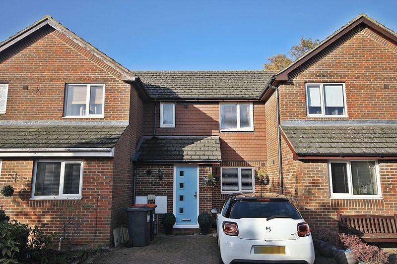 3 Bedrooms Terraced House for sale in Kimberwell Close, Toddington