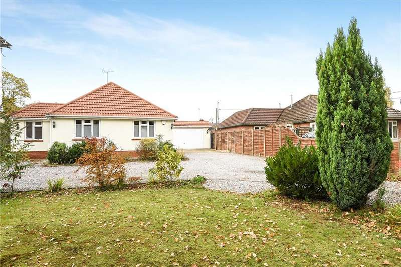 4 Bedrooms Bungalow for sale in Whinwhistle Road, East Wellow, Romsey, SO51
