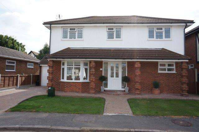 4 Bedrooms House for sale in Henson Avenue, Canvey Island