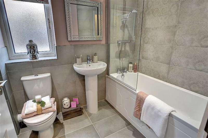 3 Bedrooms Semi Detached House for sale in Foxhills, Brierfield, Lancashire