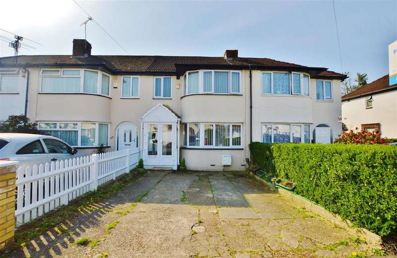 3 Bedrooms Terraced House for sale in Cornwall Avenue, Slough