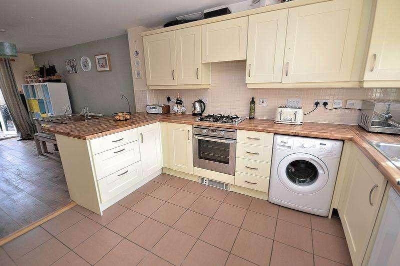 4 Bedrooms Town House for sale in Cormorant Way, Leighton Buzzard