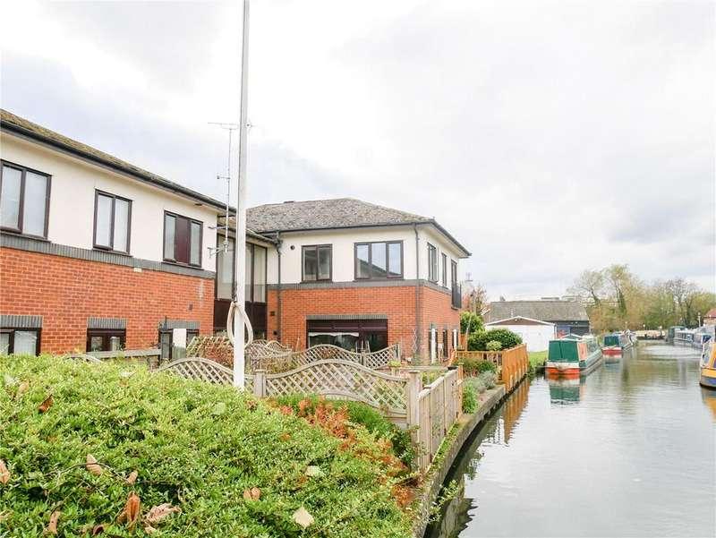 2 Bedrooms Flat for sale in Lockside, Mill Lane, Newbury, Berkshire, RG14