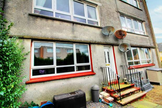 3 Bedrooms Maisonette Flat for sale in Chapelhill Mount, North Ayrshire, Ayrshire, KA22 7ND