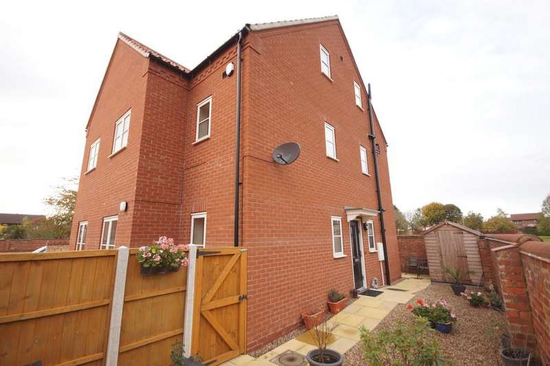 3 Bedrooms Semi Detached House for sale in Harvest Court, Lincoln