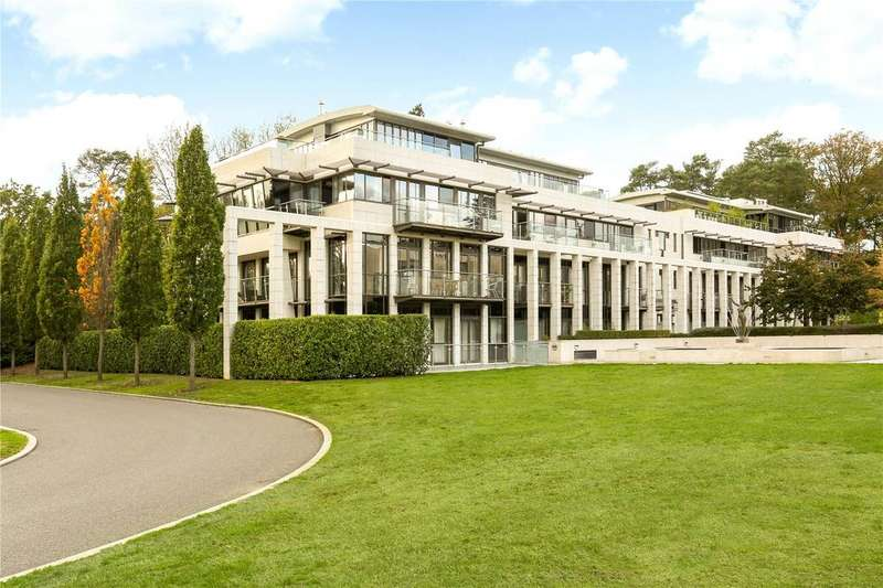 3 Bedrooms Flat for sale in Charters Court, Charters Road, Ascot, Berkshire, SL5