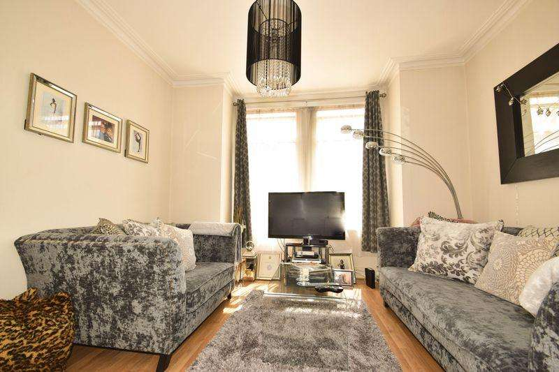 3 Bedrooms Terraced House for sale in Denison Road, London