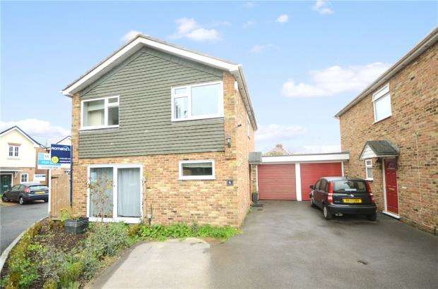 4 Bedrooms Link Detached House for sale in Bridgeman Drive, Windsor, Berkshire