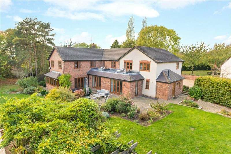 5 Bedrooms Detached House for sale in Spring Close, Great Horwood, Buckinghamshire