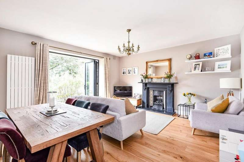 3 Bedrooms Flat for sale in Farquhar Road, Crystal Palace
