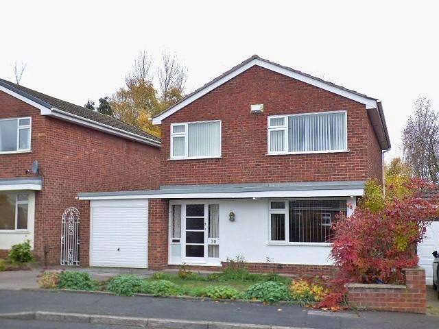 3 Bedrooms Detached House for sale in Ashbourne Avenue, Runcorn