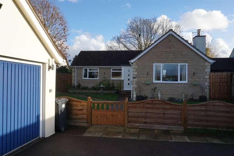 3 Bedrooms Detached Bungalow for sale in Hawkeridge, Westbury