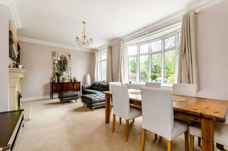 3 Bedrooms Detached House for sale in Bromley Road, Beckenham, BR3