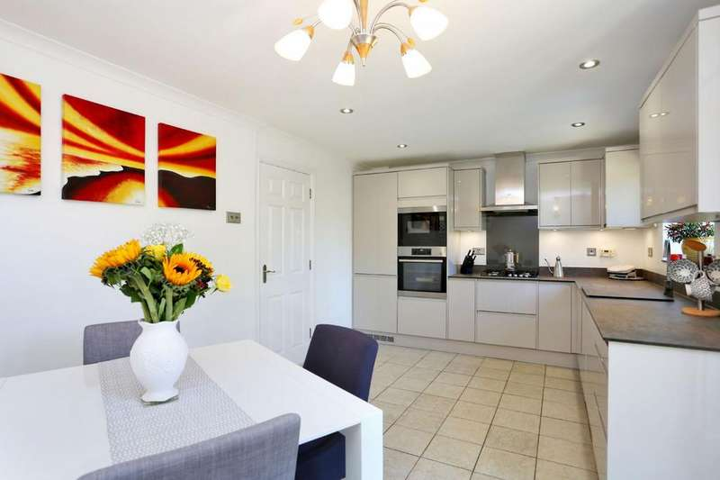 3 Bedrooms House for sale in Bedford Close, Chiswick, W4