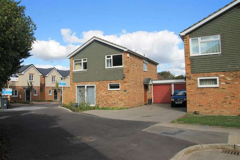 4 Bedrooms Detached House for sale in Bridgeman Drive, Windsor