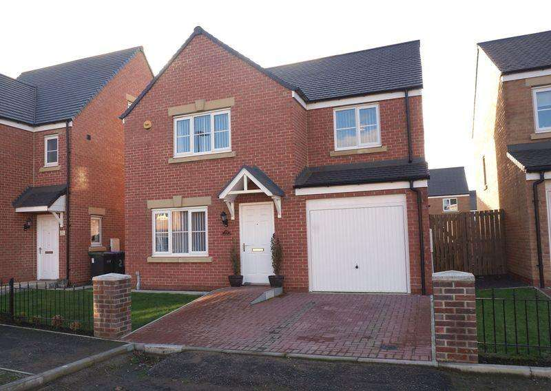4 Bedrooms Detached House for sale in Buckingham Walk, Newfield