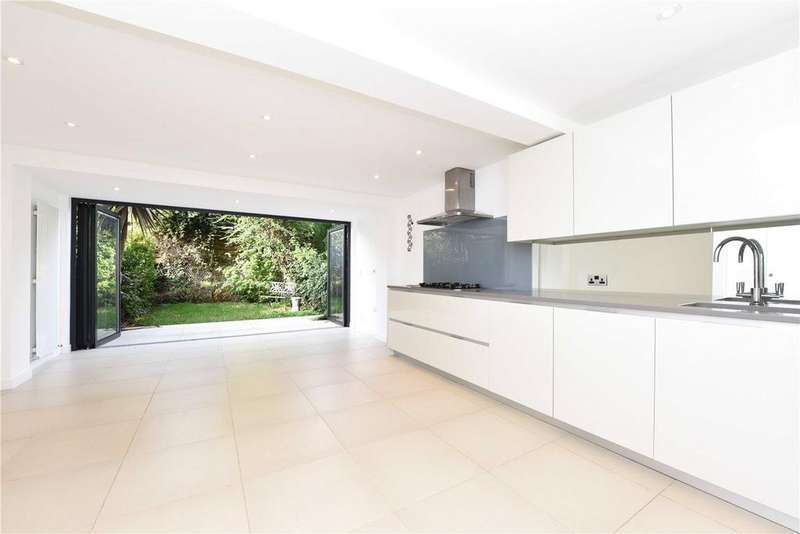 3 Bedrooms Terraced House for sale in Ardshiel Close, London, SW15