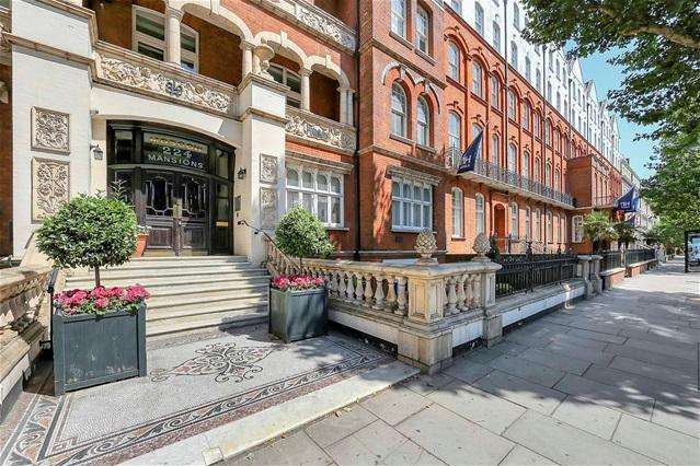 3 Bedrooms Flat for sale in Moscow Mansions, 224 Cromwell Road, Kensington, SW5