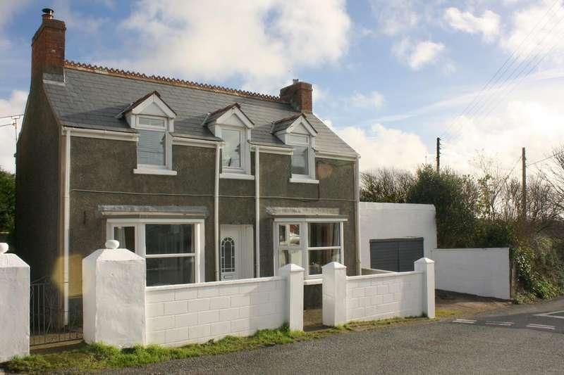 3 Bedrooms Detached House for sale in Herbrandston, Milford Haven