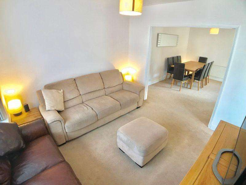 3 Bedrooms Semi Detached House for sale in Downley Village, Buckinghamshire