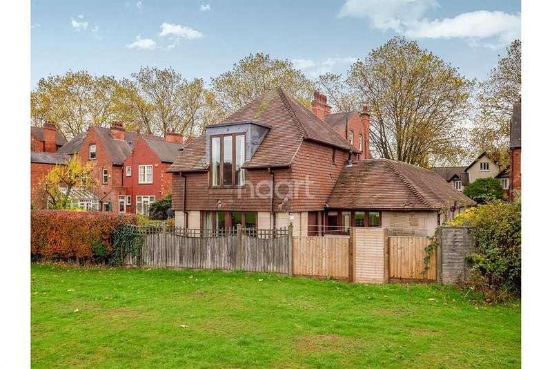 4 Bedrooms Detached House for sale in Tavistock Drive, Mapperley Park