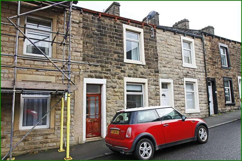 3 Bedrooms Terraced House for sale in York Street, Barnoldswick BB18