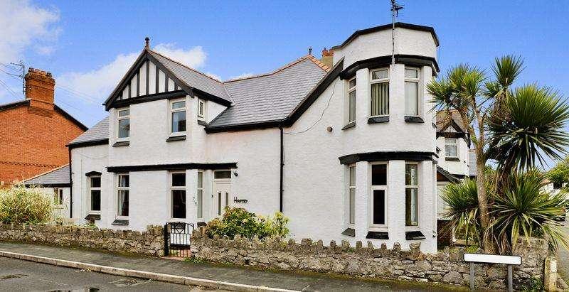 5 Bedrooms Semi Detached House for sale in Marine Road, Prestatyn