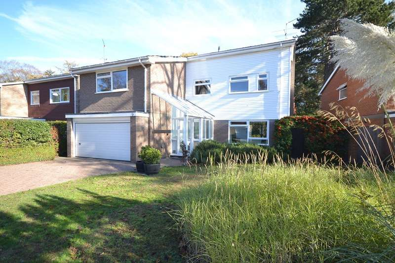 4 Bedrooms Detached House for sale in Ridge Hall Close, Caversham Heights, Reading