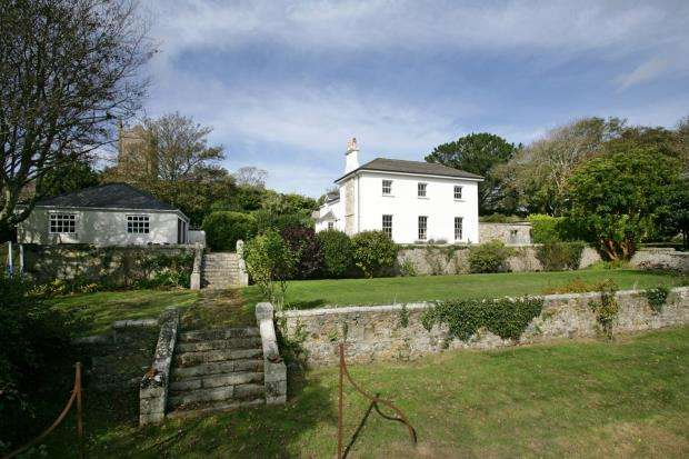 5 Bedrooms Detached House for sale in Lethlean Lane, Phillack, Hayle, Cornwall