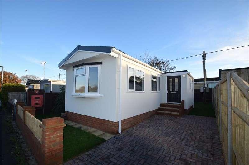 2 Bedrooms Bungalow for sale in Grovelands Park, Winnersh, Wokingham, Berkshire, RG41