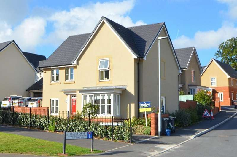 4 Bedrooms Detached House for sale in Clover Drive, Dawlish