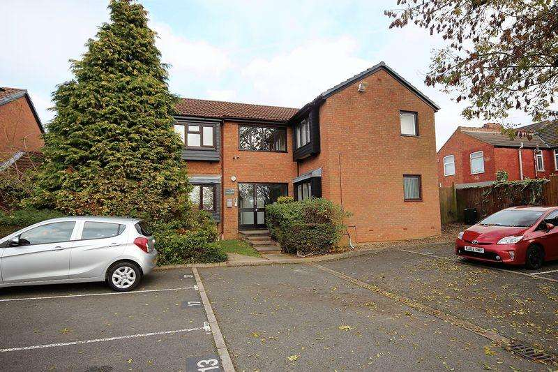Studio Flat for sale in Round Green, Luton