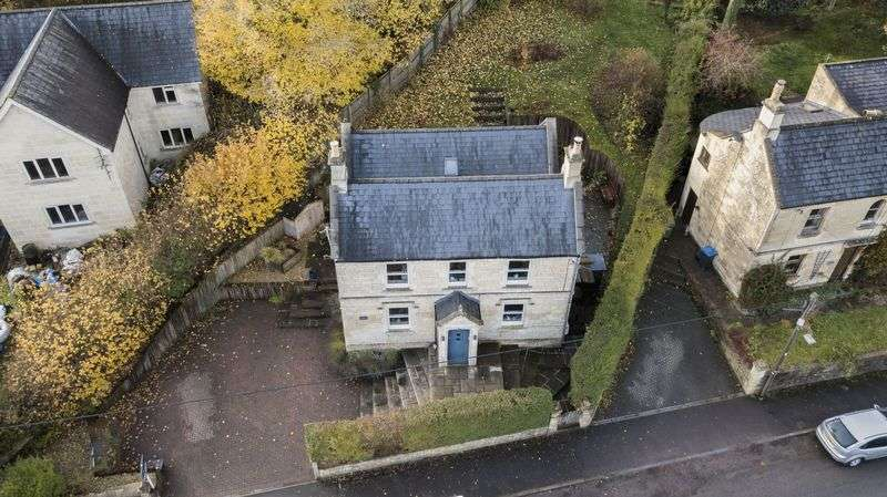 4 Bedrooms Property for sale in Devizes Road Box, Corsham