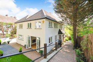 5 Bedrooms Detached House for sale in Ballards Farm Road, South Croydon