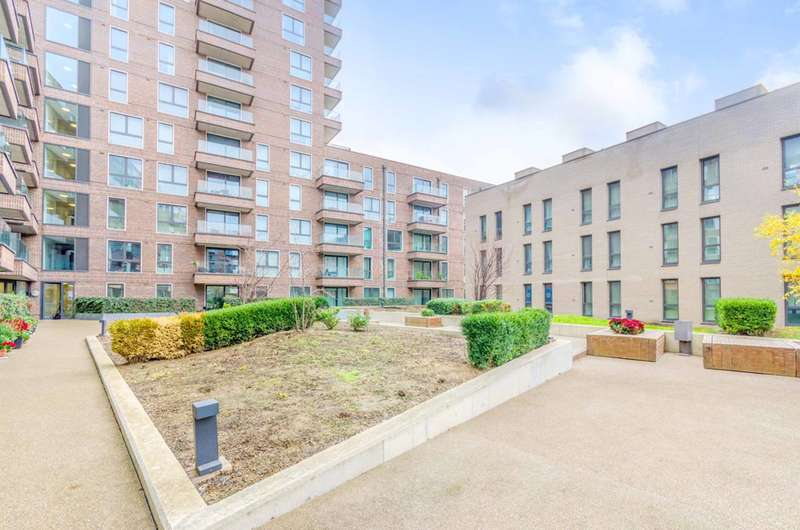 1 Bedroom Flat for sale in Connaught Heights, Docklands, E16