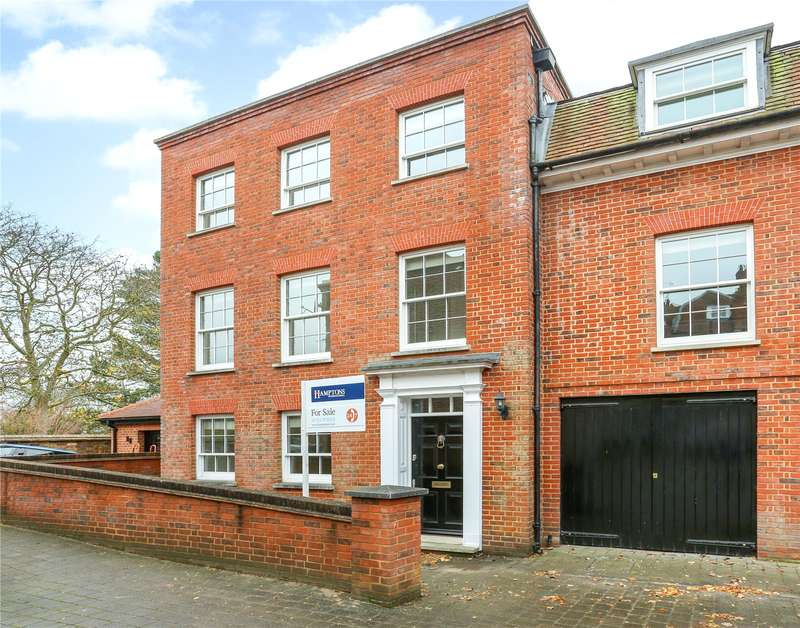 3 Bedrooms Semi Detached House for sale in Black Horse Yard, Park Street, Windsor, Berkshire, SL4