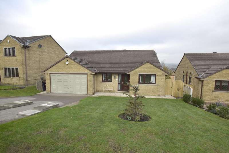 3 Bedrooms Detached Bungalow for sale in Hutton Drive, Burnley BB12 0TR