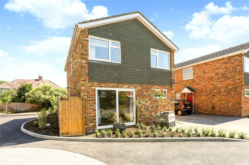 4 Bedrooms Detached House for sale in Bridgeman Drive, Windsor, Berkshire, SL4