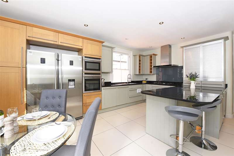 4 Bedrooms Maisonette Flat for sale in Tranmere Road, Earlsfield