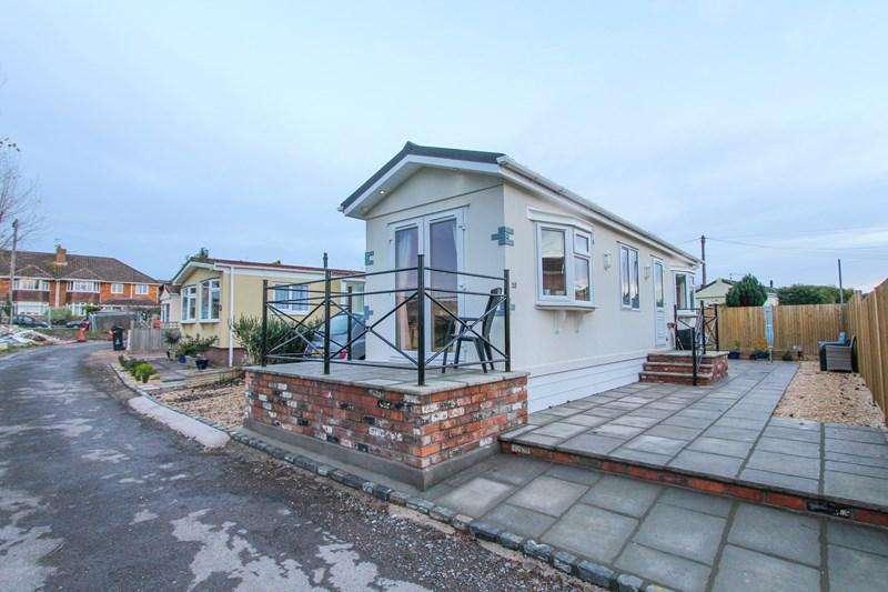 1 Bedroom Retirement Property for sale in Rockhill Estate, Keynsham, Bristol