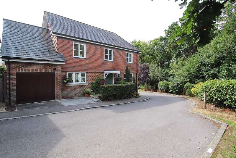 4 Bedrooms Detached House for sale in Orchid Close, Knowle, Fareham
