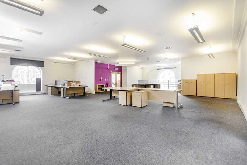 Office Commercial for rent in Pentonville Road, Islington, N1