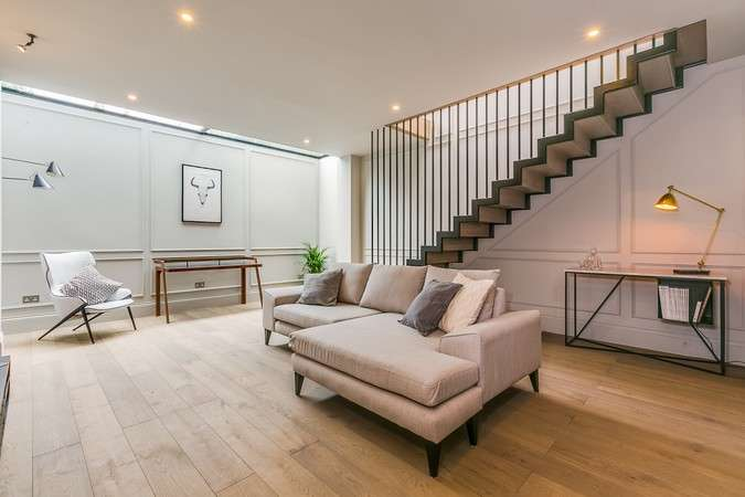 5 Bedrooms Terraced House for sale in Wavendon Avenue, Chiswick