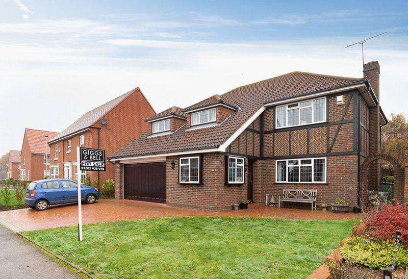 4 Bedrooms Detached House for sale in Clinton Avenue, Luton