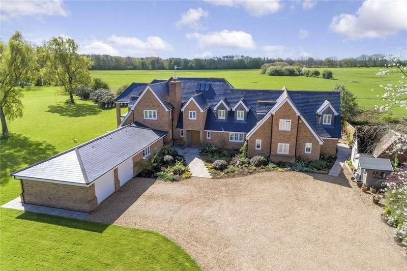 5 Bedrooms Detached House for sale in Akeley, Buckingham