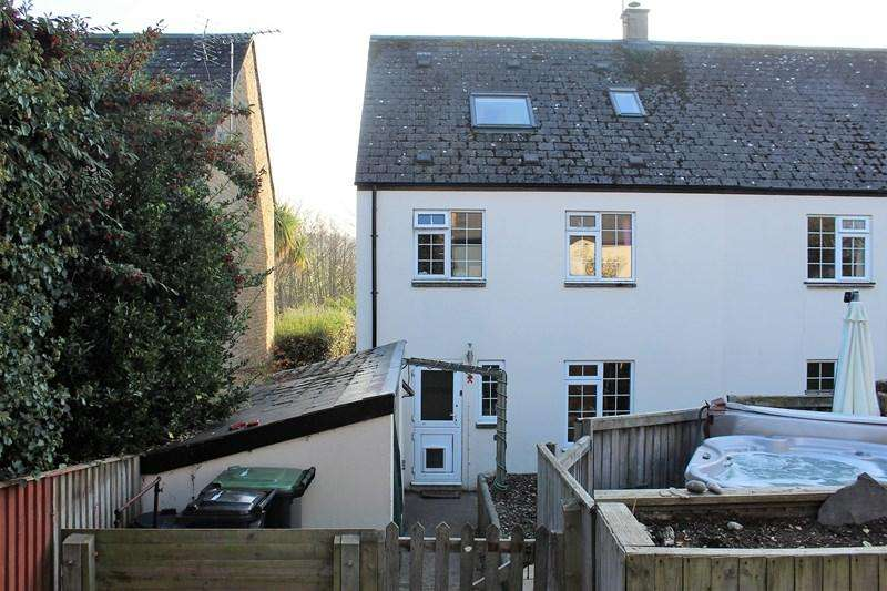 4 Bedrooms Semi Detached House for sale in Highacres, Loders, Bridport