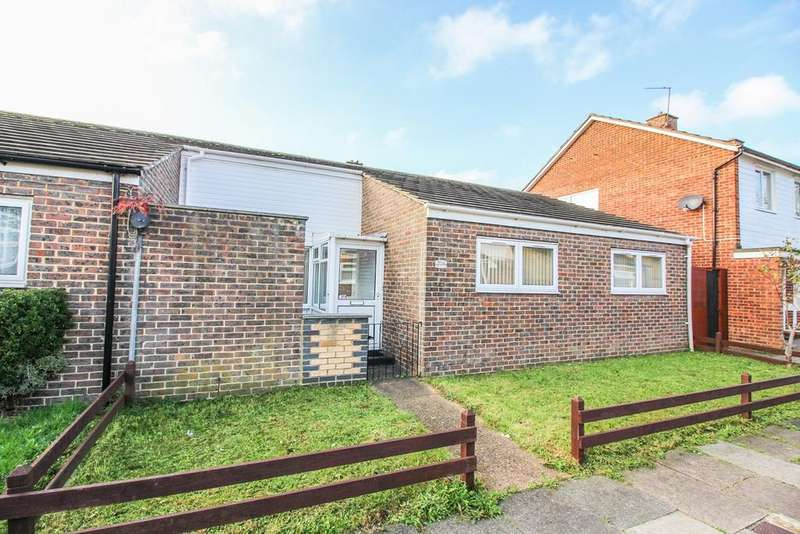 2 Bedrooms Bungalow for sale in Willowfield, Harlow, CM18
